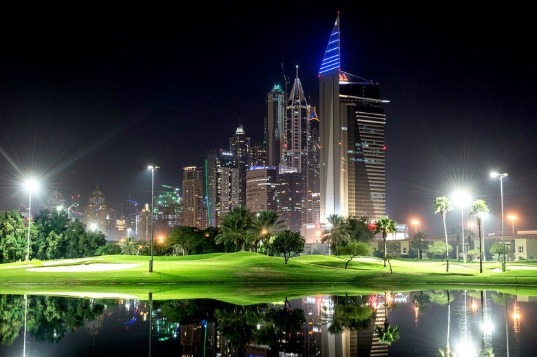 emirates-faldo-course-lights.jpg