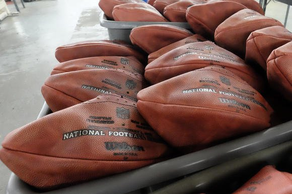 hc-patriots-deflated-footballs-20150120-001.jpg