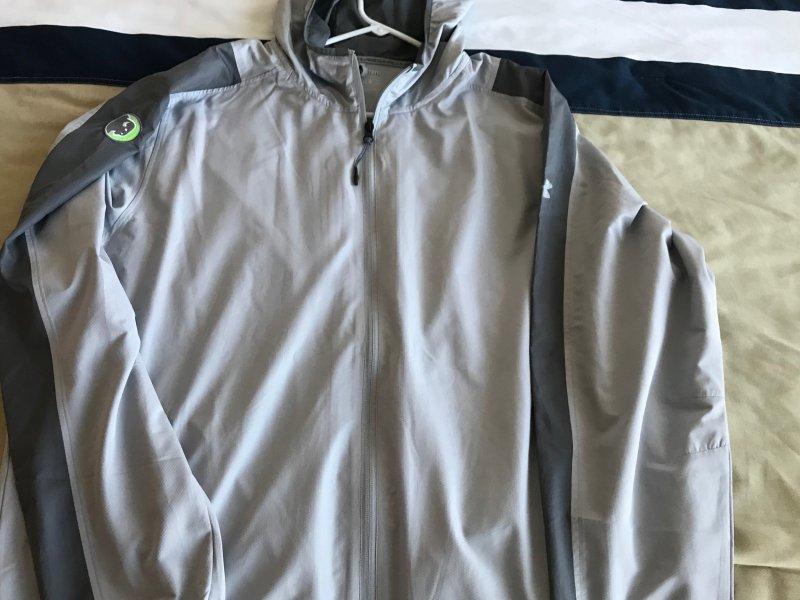 UA Hoodie Long Sleeve Wind Shirt Logo'd XXL.JPG