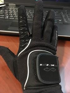 Glove_Winter_front.JPG.6b9444f0c63f8635213d3ba5405d6f79.JPG