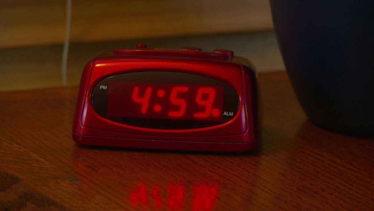 alarm-clock-going-5-am-footage-011520880_prevstill.thumb.jpeg.81c323017dbc745f08ec771fd6d43e52.jpeg