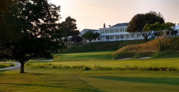 nice clubhouse @ South Shore CC