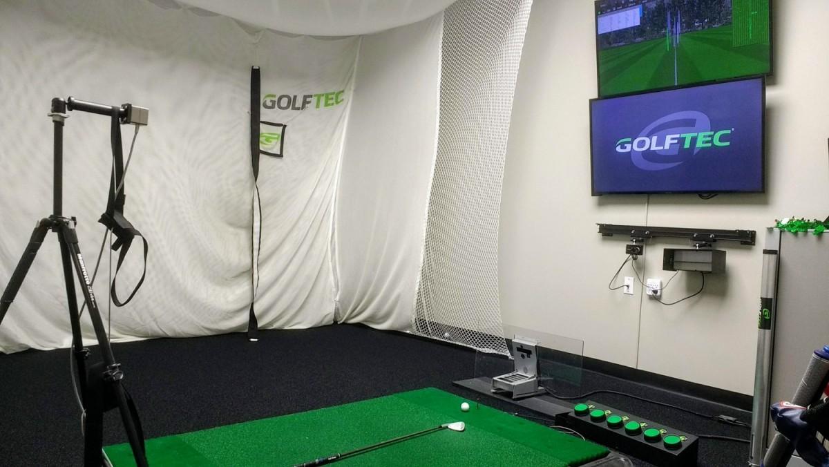 Golftec_hitting_studio.thumb.jpg.21d3b33a6ad9482e5b444272f4fcb195.jpg