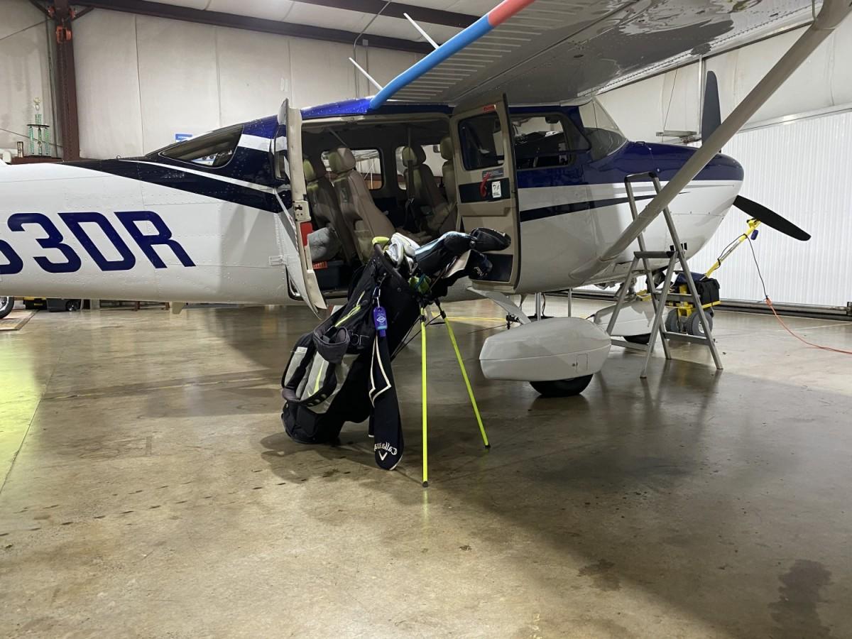 Plane golf pic.jpg