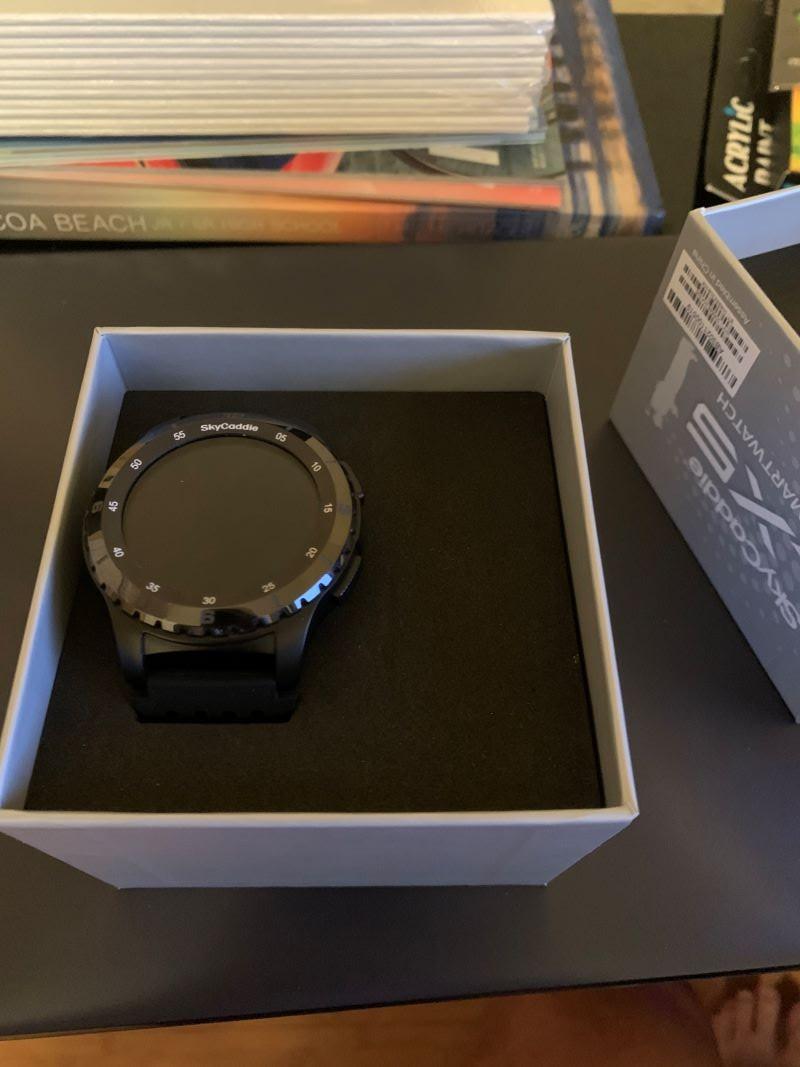 watchopenbox.jpg.0f88b2668065b5a1ae0c93fbdac28f85.jpg