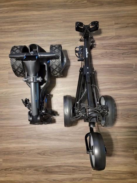 Motocaddy vs Caddytek.jpg